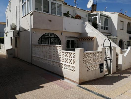 Hoekwoning te koop in Spanje - Valencia (Regio) - Costa Blanca - Torrevieja - € 59.900