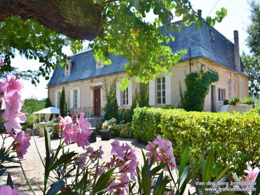 B & B / Pension te koop in Frankrijk - Midi-Pyrénées - Lot - Lot rivier - € 1.090.000