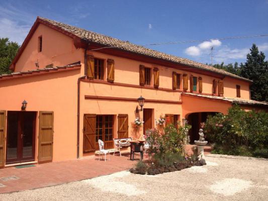 Landhuis te koop in Italië - Marken / Marche - Corinaldo - € 385.000
