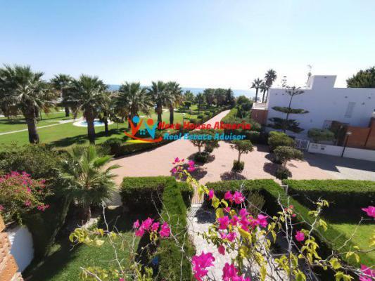 Spanje ~ Andalusi� ~ Almer�a ~ Binnenland - Villa