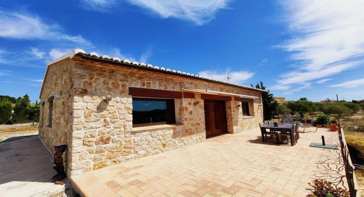 Spanje ~ Valencia (Regio) ~ Alicante (prov.) ~ Costa Blanca ~ Kust - (Woon)boerderij Finca