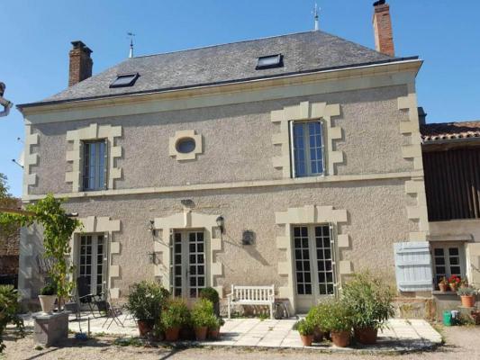 Frankrijk ~ Poitou-Charentes ~ 79 - Deux-S�vres - Maison en pierre