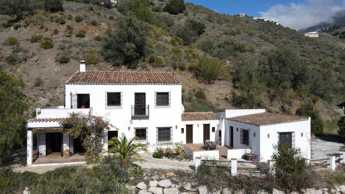 Villa te koop in Spanje - Andalusië - Málaga - Canillas De Aceituno - € 425.000