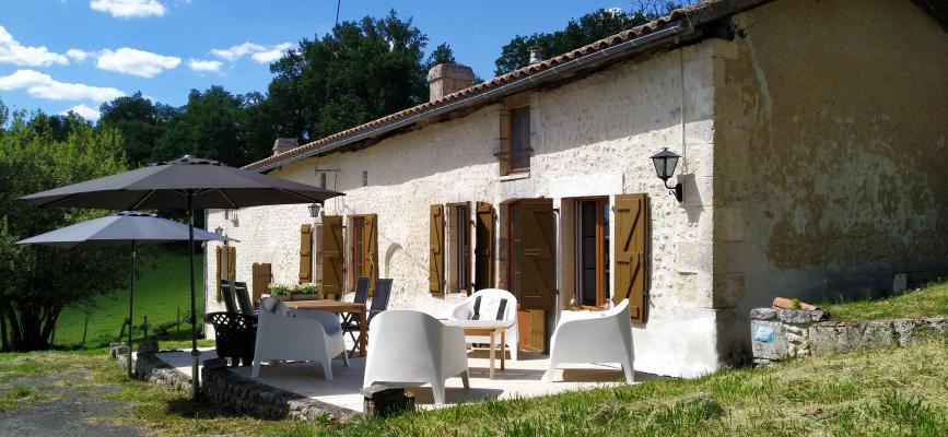 (Woon)boerderij te koop in Frankrijk - Poitou-Charentes - Charente - Blanzac-Porcheresse - € 274.000