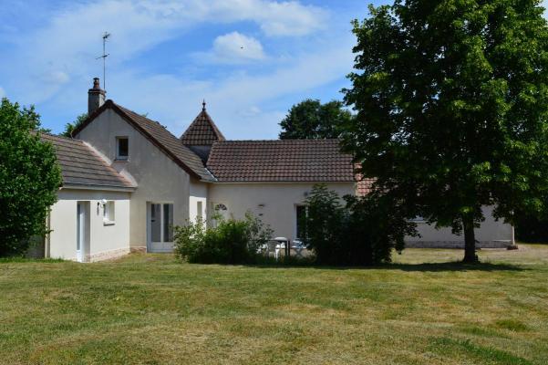 Woonhuis te koop in Frankrijk - Bourgogne - Saône-et-Loire - Antully - € 199.000