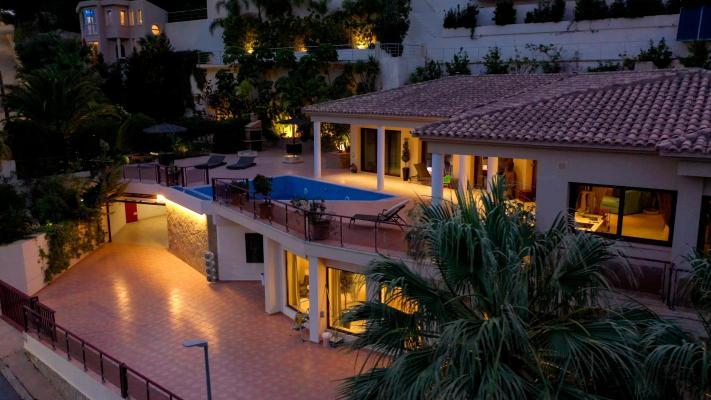 Villa te koop in Spanje - Valencia (Regio) - Alicante (prov.) - Callosa D`en Sarria - € 2.800.000