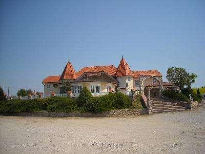 Hongarije ~ Pannonia (West) ~ Baranya (P�cs) - Horeca-object -  (M8389)